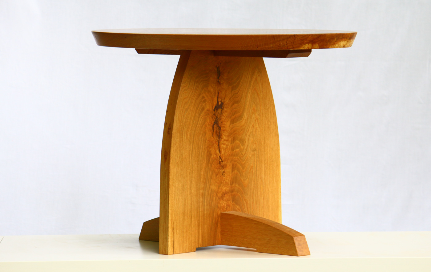 Agris occasional table