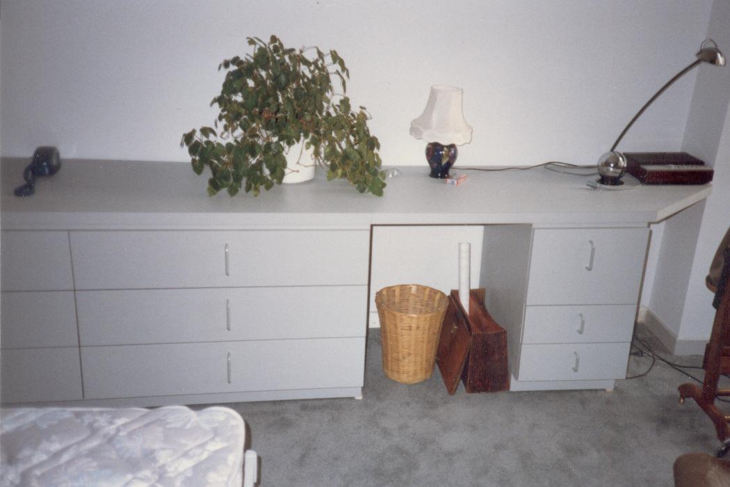 Wide Dresser